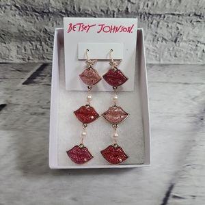 Betsey Johnson Love Lips Drop Earrings NWT